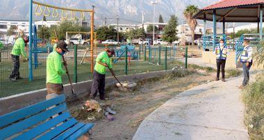 Limpieza de espacios públicos en Santa Catarina, N.L.