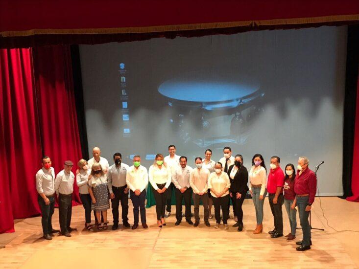 Firma del compromiso por el Desarrollo Sustentable y la Acción Climática candidatos Mariana Cornejo, Francisco Álvarez, y José Gutiérrez, en Jiquilpan, Michoacán, México.